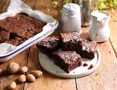 A rich and decadent way to use up that leftover Christmas pud. These brownies also make great festive gifts, and you can easily double or triple the quantities to make extra so everyone can get their own box of brownies. Pudding Recipes, Brownie Recipes, Cake Recipes, Xmas Pudding, Christmas Pudding, Baking Tins, Baking Recipes, Brownies, Leftovers Recipes