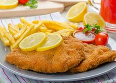 15 Delicious Dishes to Try On Your Next Europe Visit! Meat Recipes, Mexican Food Recipes, Chicken Recipes, Cooking Recipes, Healthy Recipes, Ethnic Recipes, Healthy Food, Wiener Schnitzel, European Cuisine