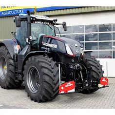 New Holland, Tractor Pictures, Buses, Farming, Monster Trucks, Vehicles, Black, Tools, Black People