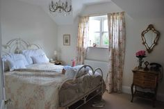 bedroom in farrow and ball pointing