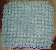 Pompom blanket made on butterfly loom (simply made from carton) - tutorial Loom Knitting Patterns, Sewing Patterns, Crochet Patterns, Loom Bands, Yarn Crafts, Sewing Crafts, Loom Blanket, Knit Crochet, Crotchet