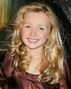 Kids Hair Styles: Kids hair style Hair style for long hair(Unbelievable: it's Peyton List from Jessie) Cute Kids Haircuts, Kids Haircut Styles, Stylish Haircuts, Young Girls Hairstyles, Easy To Do Hairstyles, Pretty Hairstyles, Children Hairstyles, Peyton List, Medium Hair Styles