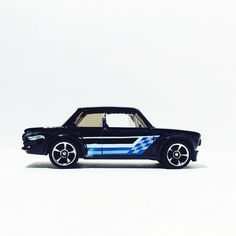 BMW 2002 #hotwheels #hwc #bmw #toypics #toycrew #LaLD #liveandletdiecast #fromthepegs #hotwheels