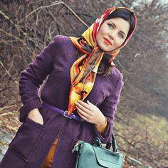 Hds | fortunica | Flickr Head Scarf Tying, Head Wrap Scarf, Cute Fall Fashion, Autumn Fashion, We Wear, How To Wear, Silk Scarves, Head Wraps, Headscarves