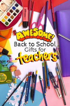 Simple Back to School First Day of School Teacher Gifts- Start the school year by thanking your teachers and showing them your appreciation. Back To School Gifts For Teachers, Back To School Hacks, 1st Day Of School, New Teachers, School Fun, School Days, Middle School, Preschool Gifts, Preschool Ideas