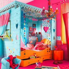 wonderful little girl bed!