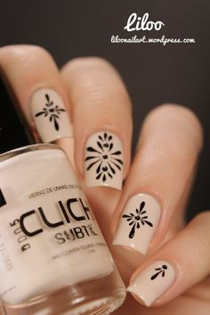 We love these Neutral or nude freehand designed nails by Liloo - great for the nude nail trend...x