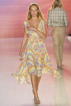 Vogue.com | Ready To Wear 2005 S/S Matthew Williamson