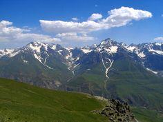 Image from https://upload.wikimedia.org/wikipedia/commons/d/d3/Tajik_mountains_edit.jpg.