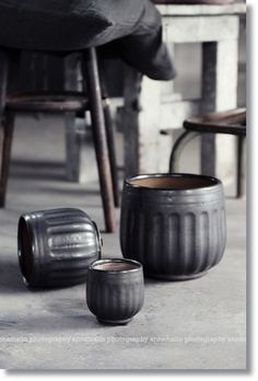The glazed ceramic pots are such a cool and simple way to add black details to your home or garden.