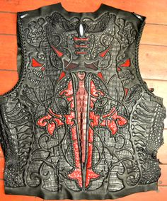 Logan Riese Tha Building of a Biker Jacket Biker Gear, Motorcycle Gear, Biker Leather, Leather Men, Skull Fashion, Mens Fashion, Custom Leather Jackets, Outdoor Jackets, Leather Carving