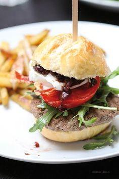 Burger-Party   Entschleunigung