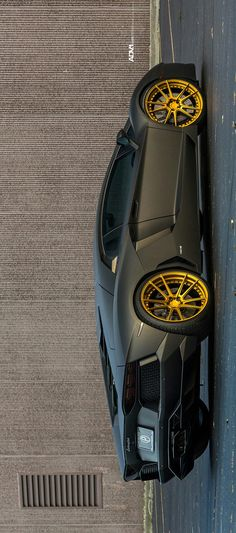 (°!°) Lamborghini Aventador PL700-4