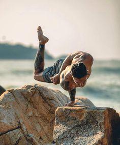 yogainspiration on Somegram Breath In Breath Out, Yoga Poses For Beginners, Healthy Lifestyle Tips, Yoga For Men, Yoga Everyday, Yoga Challenge, Yoga Teacher, Asana, Yoga Inspiration