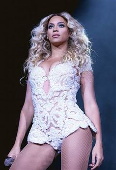 Move over, Oprah! Beyonce is world's most powerful celebrity  (Photo: Rob Hoffman / AP file)
