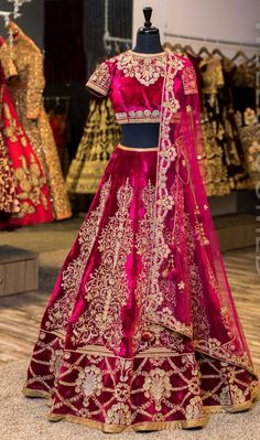 Bollywood Indian Bridal Lehenga Choli Pakistani Wedding Wear Lengha Dress New Indian Lehenga, Pakistani Bridal Lehenga, Bollywood Bridal, Bridal Dupatta, Lengha Dress, Party Wear Lehenga, Anarkali, Designer Bridal Lehenga, Indian Dresses