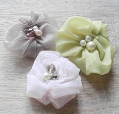 An Easy Sewing Tutorial on How To Make Fabric Flowers | Ruched Rosette