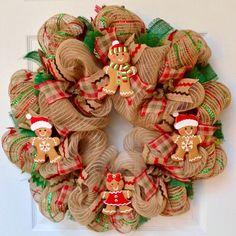 Gingerbread Men Cookies Christmas Wreath Handmade Deco Me. Gingerbread Christmas Decor, Gingerbread Decorations, Christmas Wood, Handmade Christmas, Christmas Crafts, Christmas Decorations, Gingerbread Men, Christmas Cookies, Gingerbread Cookies