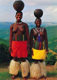 "Africa | ""Zulu Maidens"".  South Africa || Scanned postcard"