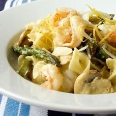 Shrimp and Asparagus | This recipe is a delicious option for shrimp. Shrimp sauteed with asparagus and mushrooms, tossed with egg noodles.