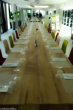 La somptueuse table prisonnière du Mucem 2013, Table, Conference Room, Furniture, Home Decor, Cultural Trips, Marseille, Decoration Home, Room Decor