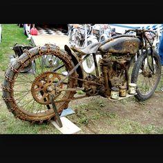 This bike is just plain BADASS!! #USA #hillclimber #superx #onlyoriginalonce