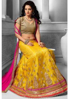 Indian Gowns Dresses, Indian Outfits, Aunty Photos Without Saree, Bridal Lehenga Choli, Net Lehenga, Indian Clothes Online, Girls Blouse, Lakme Fashion Week, Stylish Girl Images