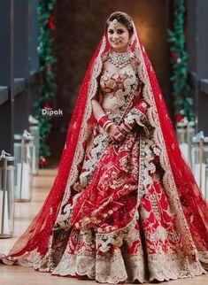 Indian Bridal Outfits, Indian Bridal Fashion, Bridal Dresses, Bride And Son, Candid Wedding Photos, Wedding Pictures, Rimple And Harpreet Narula, Wedding Lehenga Designs, Lehenga Jewellery