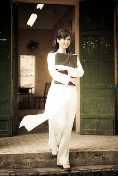 Vietnamese girl in white Ao Dai