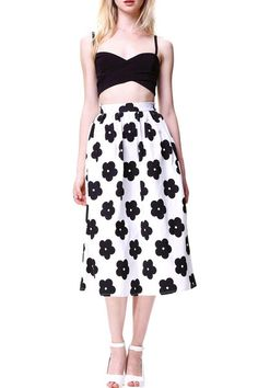 Floral Print Maxi Skirt #genuinepeople #genuine-people #skirt #whiteskirt #blackwhite #outfit #streetstyle #beautifulstyle