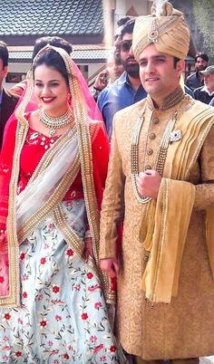 Tina Dabi marries Kashmiri Athar Amir Khan Indian Police Service, Hd Wallpaper Quotes, Upsc Civil Services, Ias Officers, Army Love, Cute Girl Poses, Wise Women, Indian Outfits, Role Models