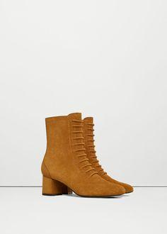 Bottines en cuir lacées - Chaussures pour Femme   MANGO France Bottines En  Cuir, Chaussure 6767d66001a