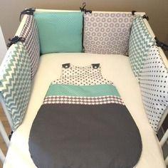 Ensemble tour de lit 6 coussins et gigoteuse coloris gris et vert amande