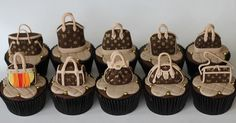 Luis Vuitton Cupcakes by Isa Herzog Stylish Men, Stylish Outfits, Fall Outfits, Handbags Michael Kors, Louis Vuitton Handbags, Lv Handbags, Vuitton Bag, Handbags Online, Girly