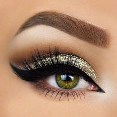 Gorgeous Makeup Looks for Girls with Green Eyes ★ See more: http://glaminati.com/green-eyes-makeup-looks/