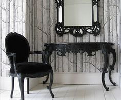Black and classy gothic furniture: Table & Chair Set with Mirror.