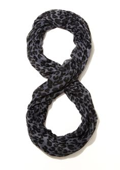 DAVID & YOUNG Leopard Infinity Scarf