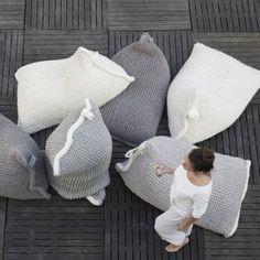 NEST knitted bean bag - greyish brown