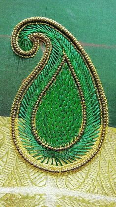 Hand Work Design, Hand Work Blouse Design, Simple Blouse Designs, Stylish Blouse Design, Bridal Blouse Designs, Aari Embroidery, Embroidery Works, Embroidery Fashion, Border Embroidery Designs