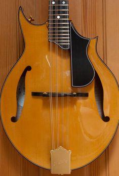 Mowry 2-point mandolin Acoustic Music, Acoustic Guitars, Ukulele, Violin, Mountain Dulcimer, Taylor Guitars, Archtop Guitar, Beautiful Guitars, Custom Guitars