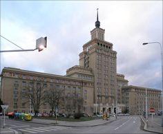 Hotel International-Foto:Matěj Baťha,  CC BY 2.5