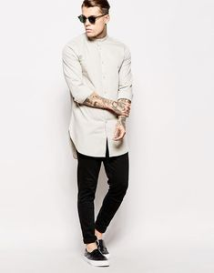 Indo-Western wear simply means the fusion of Indian and western wear. Read on to know about how to style indo-western outfits to style it like a pro. Stylish Men, Men Casual, Look Fashion, Mens Fashion, Muslim Men, Western Outfits, Western Wear, Muslim Fashion, Looks Style