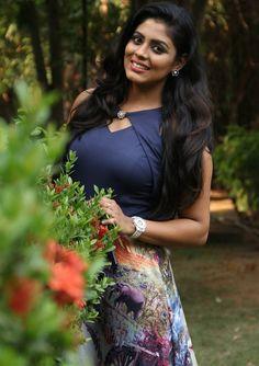 Indian Actress Photos, Indian Actresses, India Beauty, Asian Beauty, Long Indian Hair, Beautiful People, Beautiful Smile, Beautiful Celebrities, Beautiful Women