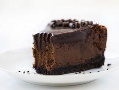 Chocolate Oreo Cheesecake Recipe, Chocolate Cheesecake Recipes, Cheesecake Bites, Cheesecake Desserts, Chocolate Desserts, Bakers Chocolate, Dark Chocolate Cakes, Chocolate Ganache, Just Desserts