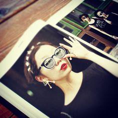 그녀의 가을은 느낌이 있다. 시크하고 때로는 아주 로맨틱하게 연출하는 것을 좋아하는 세련된 도시적인 그녀의 일상이 궁금하다. 지금부터 가을까지 똑똑한 그녀 style tip!  bogi.l since 2013-2015  BOGI.L www.leeheebok.com  NSTAGRAM http://instagram.com/bogi.l