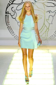 Versace Spring 2012 Ready-to-Wear Fashion Show - Hanne Gaby Odiele
