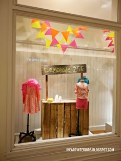 I heart interiors: crewcuts window display :: lemonade stand Shop Window Displays, Store Displays, Visual Merchandising, Design Food, Shop House Plans, Ideas Geniales, Store Windows, Shop Interior Design, Vintage Design