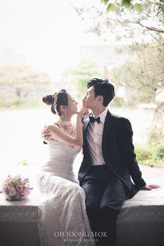 손승현신랑님 류현정 신부님  결혼을 진심으로 축하드립니다  Photographed by Oh Joong Seok Wedding Studio Pre Wedding Photoshoot, Wedding Pics, Photoshoot Ideas, Wedding Dresses, Korean Fashion, Wedding Photography, Couple Photos, Couples, Happy