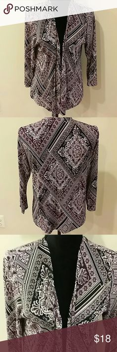 Chicos easy wear size 1 cardigan Beautiful cardigan, silky and crinkled texture, 3/4 sleeves. Easy care, No trades 👉Discount  with bundles. Chico's Sweaters Cardigans