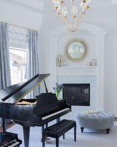 Grand piano in living room Grand Piano Room, Piano Room Decor, Piano Living Rooms, Ottoman In Living Room, Formal Living Rooms, Living Room Modern, Living Room Designs, Living Spaces, Piano Teaching